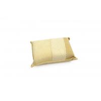 [Špongia malá Jelenica prírodná z kúskoch 12.5x8.5x4 cm  Špongia z pravej jelenice vhodná na čistenie automobilu alebo do domácnosti. Jelenica je prírodný produkt vysokej kvality, mäkký s vysokou sacou vlastnosťou. Ideálna pre údržbu palubnej dosky, alebo ]